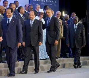 obama isis salute